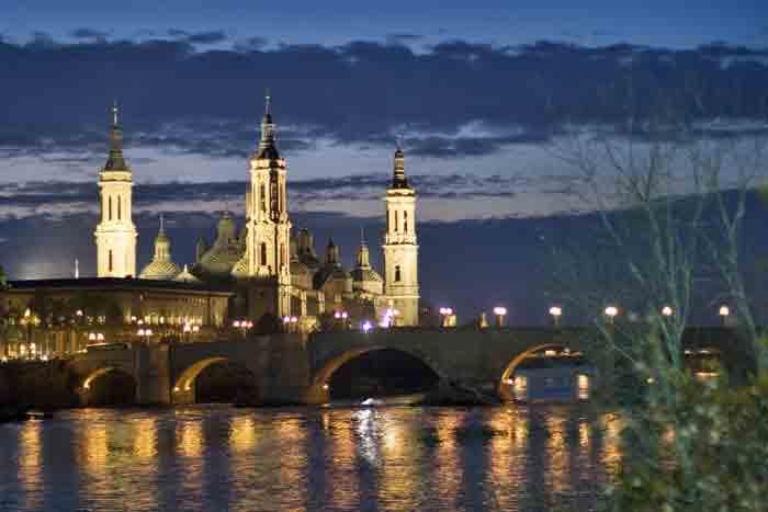 Zaragoza, un paseo festivo 3