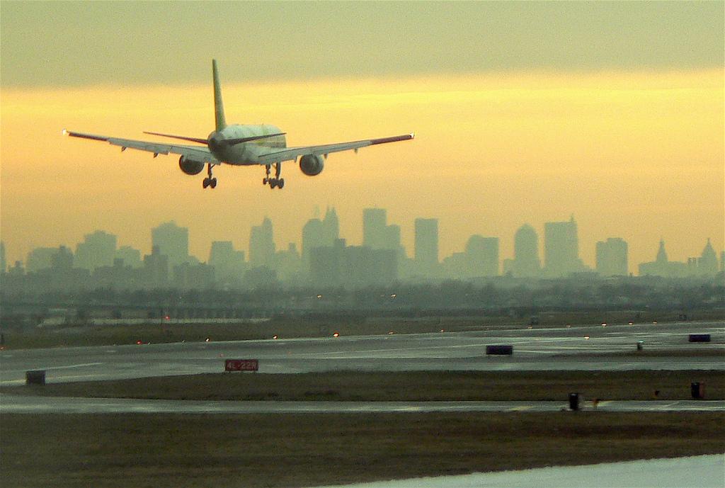 Nuevos requisitos para viajar en avión a Estados Unidos