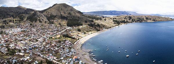 Cobacabana, una ciudad en las alturas del Titicaca en Bolivia 1
