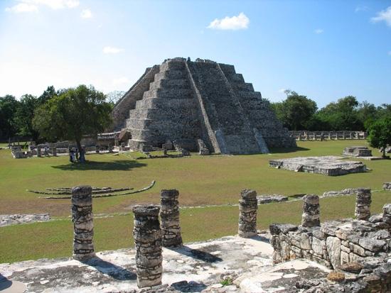 Mayapán, ruinas mayas entre la selva