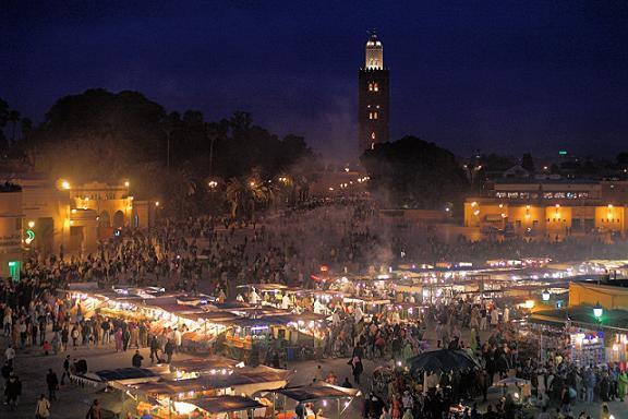 La Plaza Djemaa el Fna, corazon de Marrakech