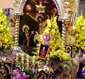 La procesión del Señor de los Milagros 2