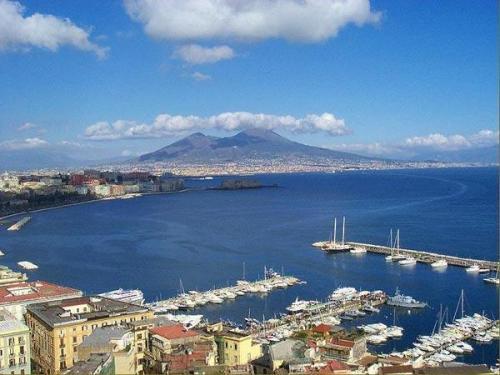 La bahía de Nápoles, el sueño de una sirena