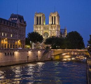 París, la ciudad ilustrada, luminosa y romántica 1