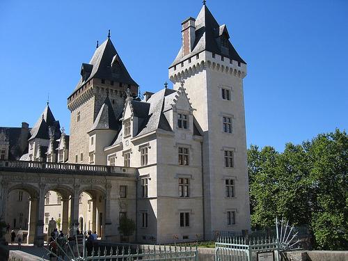 Pau, hermosos palacios en la puerta del Pirineo