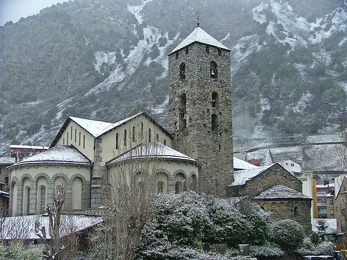 Andorra, blanco y románico
