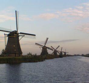 Los molinos de viento de Kinderdijk en Holanda 2