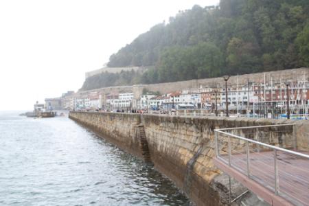 Las playas y esculturas de San Sebastián 5