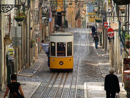 Viaja en los funiculares de Lisboa