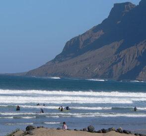 Las mejores escuelas de surf en España 1