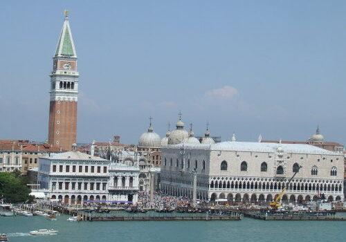 El Campanile de la Basílica de San Marcos en Venecia 12