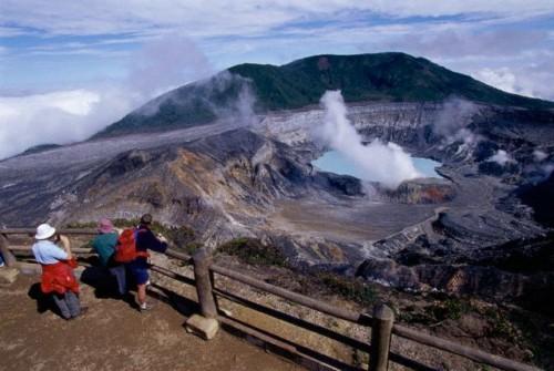 Ruta de los volcanes activos en Costa Rica
