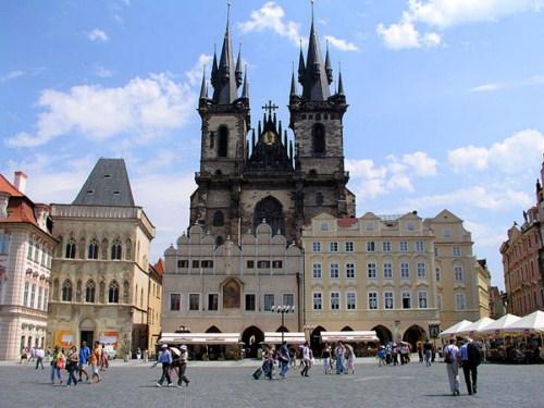 Tres hermosas iglesias en Praga 1