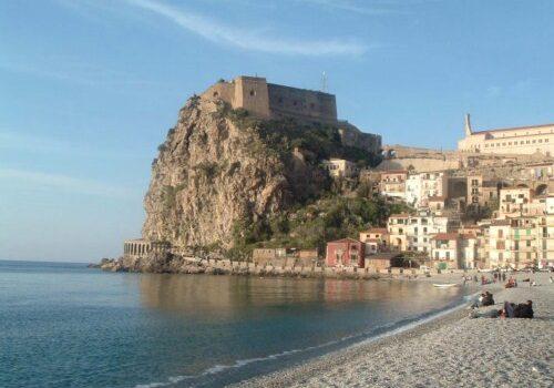 Reggio Calabria, mar y montaña en el sur de Italia 1