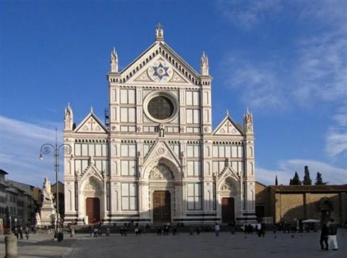 La Basílica de la Santa Cruz en Florencia