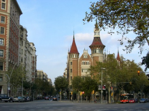 Visita la Casa de les Punxes en Barcelona
