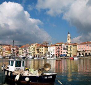 Imperia, la costa de Liguria en Italia 1