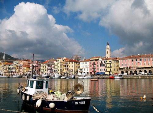 Imperia, la costa de Liguria en Italia