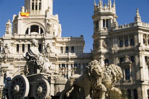 Visita la Plaza de Cibeles en Madrid