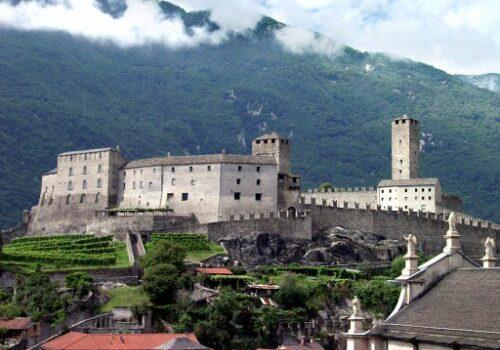 Bellinzona, ciudad medieval en Suiza 5