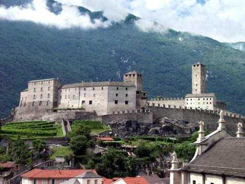 Bellinzona, ciudad medieval en Suiza