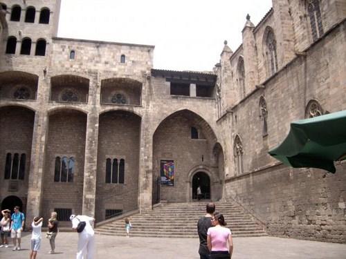 Paseando por la Ciutat Vella de Barcelona