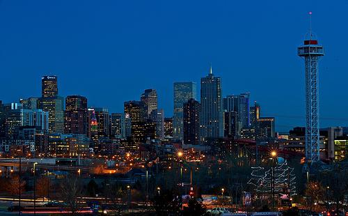 Denver: rascacielos junto a las Montañas Rocosas 17