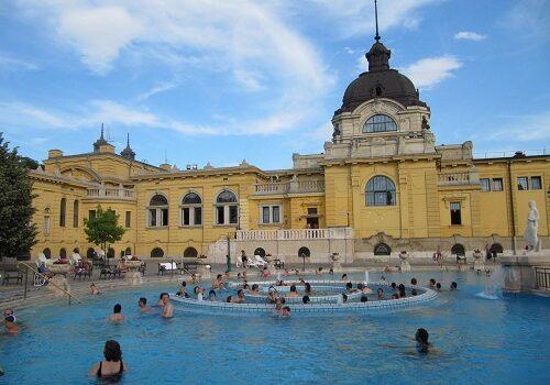 Los Baños Széchenyi de Budapest, los mayores de Europa 10