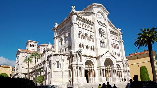 Mónaco no es sólo glamour. Visita la Catedral de San Nicolás 2