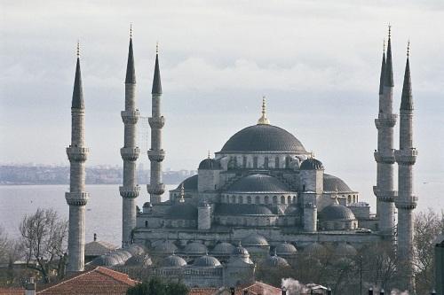 La belleza de la Mezquita Azul de Estambul 6