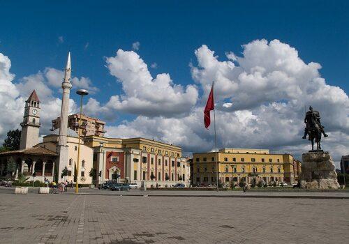 Conoce Tirana, la capital de Albania 4