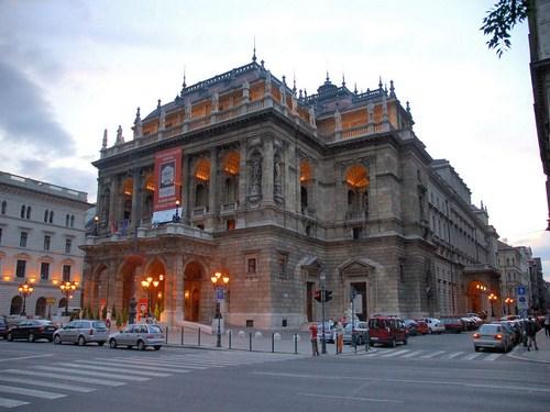 Visita la Ópera de Budapest