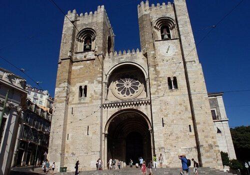 La Catedral de Santa María Mayor, símbolo monumental de Lisboa 4