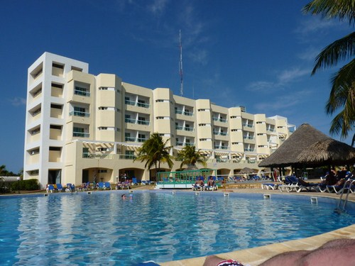 Blue Salsa Club, hotel de música cubana en Varadero