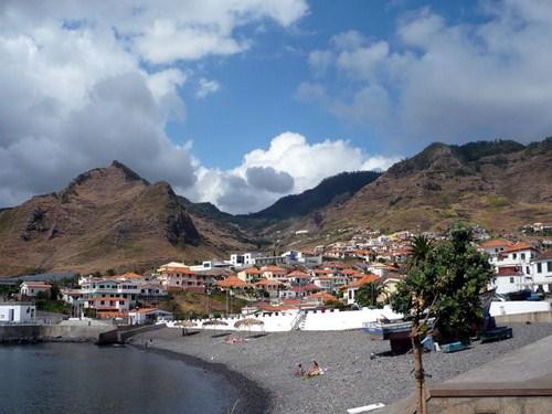 Caniçal, los colores de Madeira