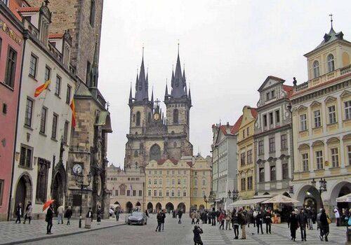 La Plaza de la Ciudad Vieja en Praga 6