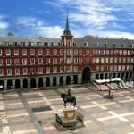 ¿Te quieres tomar un café con leche en la Plaza Mayor de Madrid?