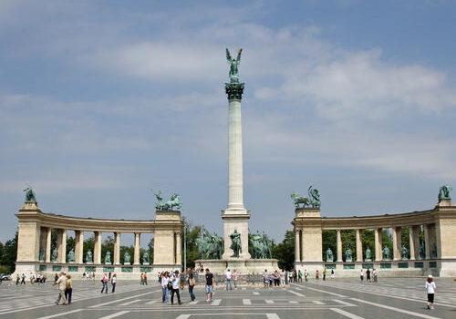 La Plaza de los Héroes en Budapest  2