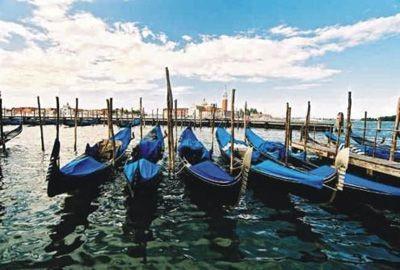 Paseo en Góndola: Una forma única de conocer Venecia 5