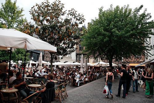 Tours, Plaza Plumereau