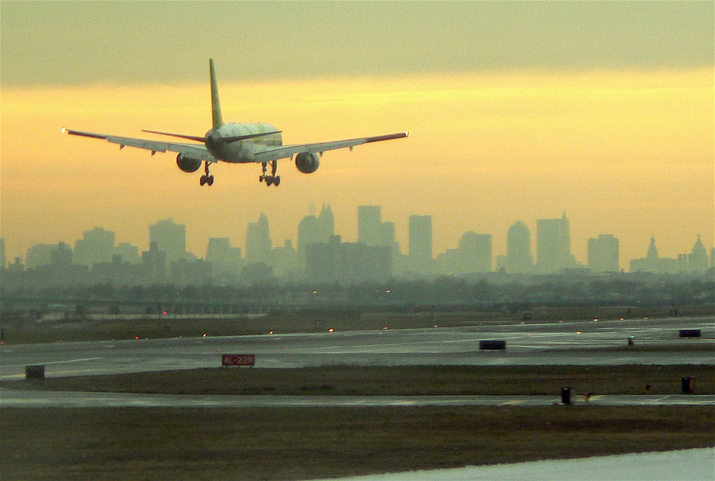 Nuevos requisitos para viajar en avión a Estados Unidos 1