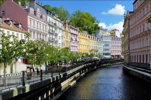 Karlovy Vary, encantadora excursión desde Praga 12