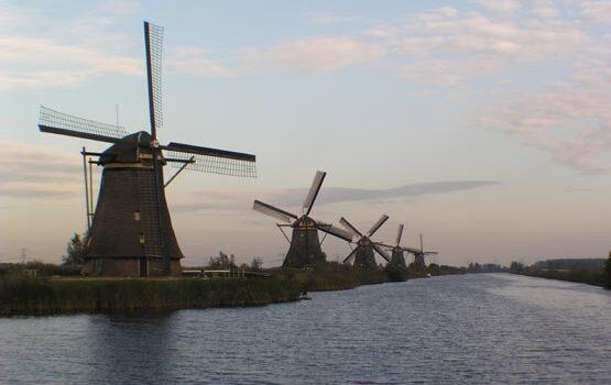Los molinos de viento de Kinderdijk en Holanda 8