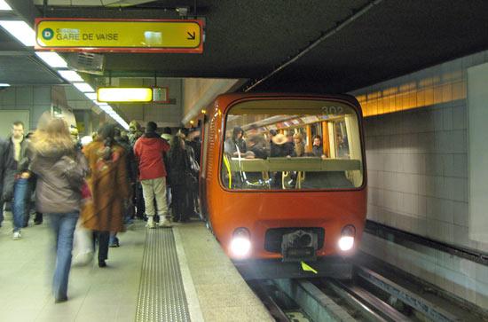 2-lyons-metro