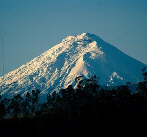 La Avenida de los Volcanes en Ecuador 1