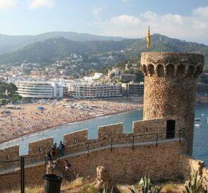 Tossa de Mar, playa e historia medieval 1