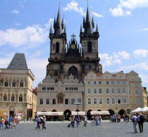 Tres hermosas iglesias en Praga 2