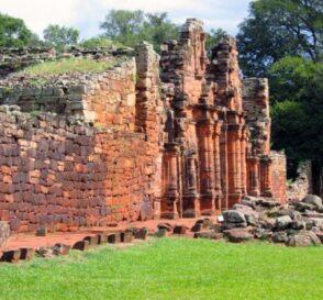 Las Minas de Wanda y las Ruinas de San Ignacio en Iguazú 1