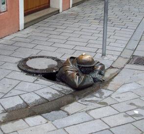 Las simpáticas estatuas de Bratislava 1